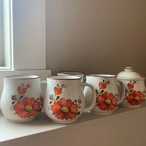 4 Vintage Mugs and Sugar Jar